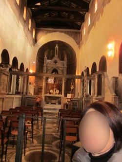 サンタ・マリア・イン・コスメディン教会の内部