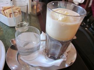 カフェ・ザッハーのウィンナー・コーヒー