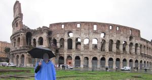 雨のコロッセオ