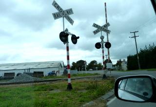 列車の踏み切りの標識