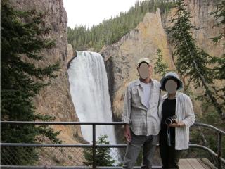 おじさんとおばさんと滝