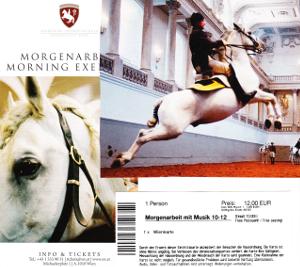 ホーフブルク王宮前にあるスペイン乗馬学校のパンフレット
