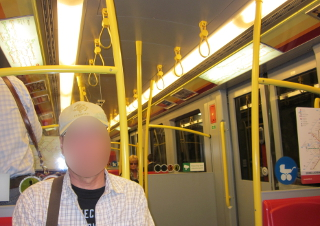 ウィーン市内の地下鉄の車内