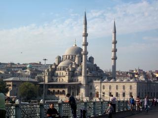 2つの塔のあるモスク