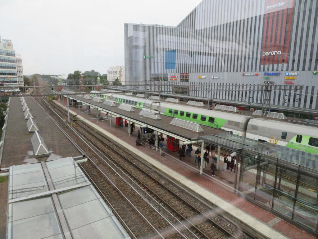 北欧2日目 線路と列車
