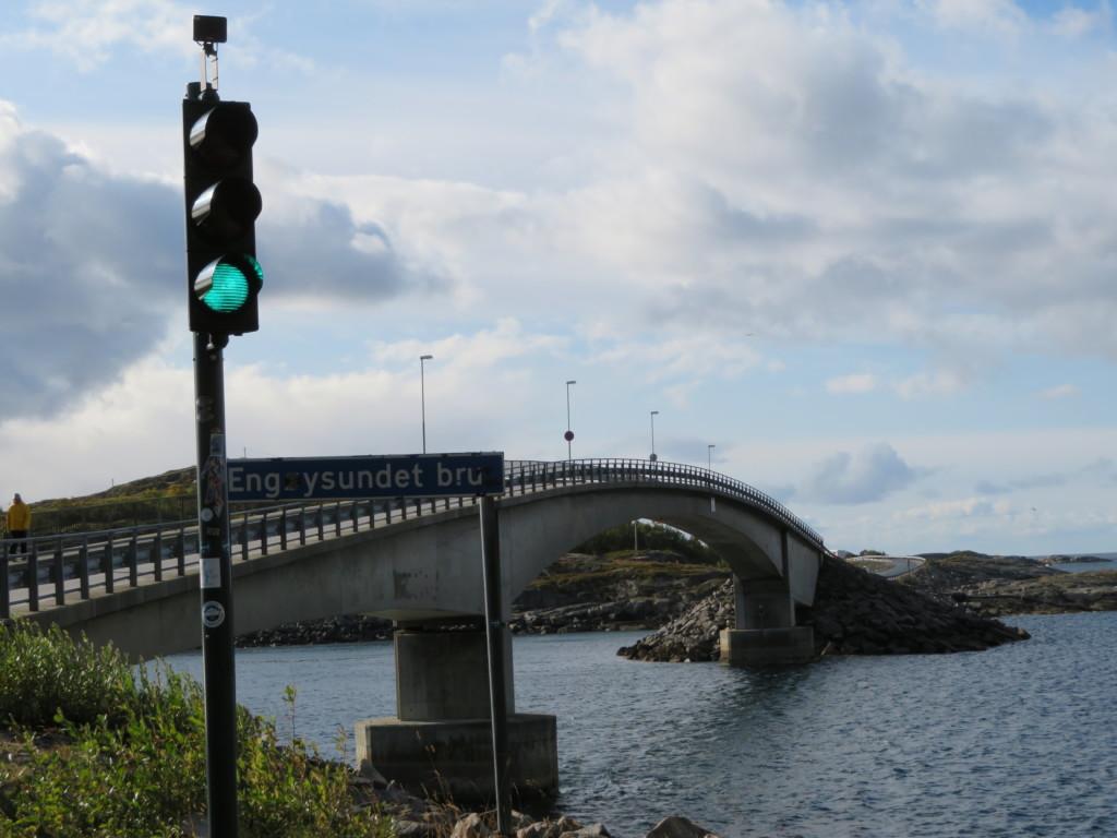信号機と橋